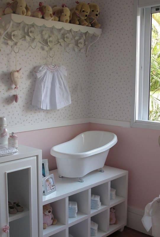 decoração com cores pastéis para parede de quarto de bebê rosa Foto Battaglia Arquitetura