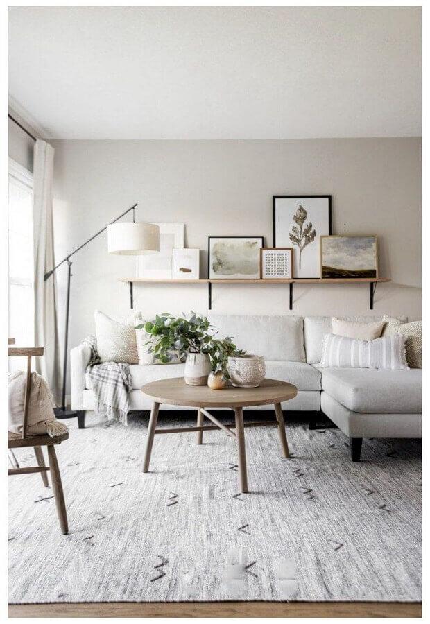 decoração com sofá com chaise e luminárias de piso para sala de estar branca Foto Home Fashion Trend