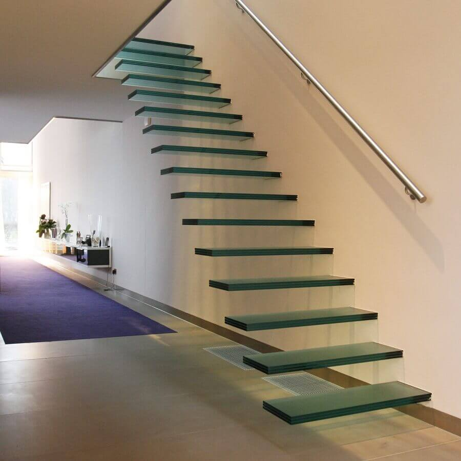 decoração de casa com escada suspensa interna de vidro Foto Pinterest