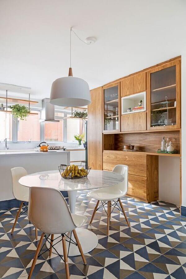 decoração de cozinha com luminária pendente branca para mesa redonda Foto Casa de Valentina