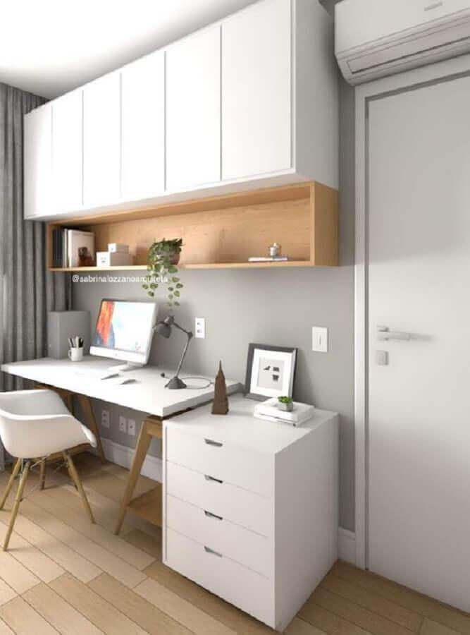 decoração de home office cinza e branco com armário suspenso Foto Sabrina Lozzano Arquiteta