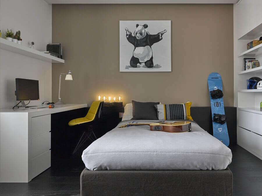 decoração de quarto de homem com escrivaninha branca Foto Pinterest