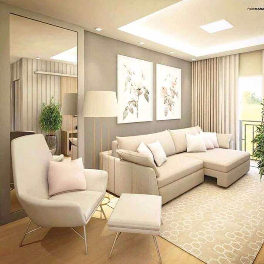 decoração de sala de apartamento com sofá confortável e cores claras Foto Pinterest