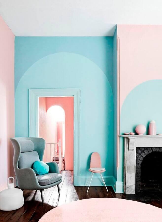 decoração de sala verde piscina e rosa Foto Behance