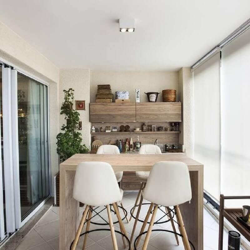 decoração de varanda gourmet com banqueta alta branca Foto Pinterest
