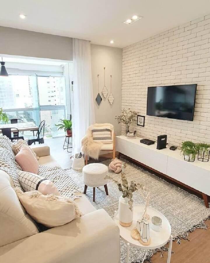 decoração em cores claras para sala de estar apartamento Foto Pinterest