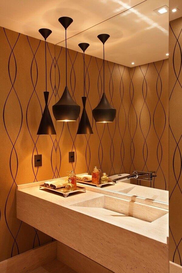 decoração em cores neutras com luminária pendente para banheiro Foto Simples Decoração