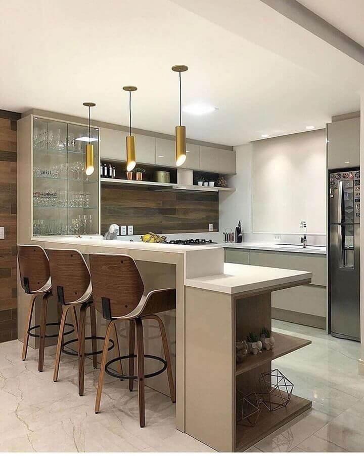 decoração em cores neutras com luminária pendente para cozinha Foto Decor Salteado