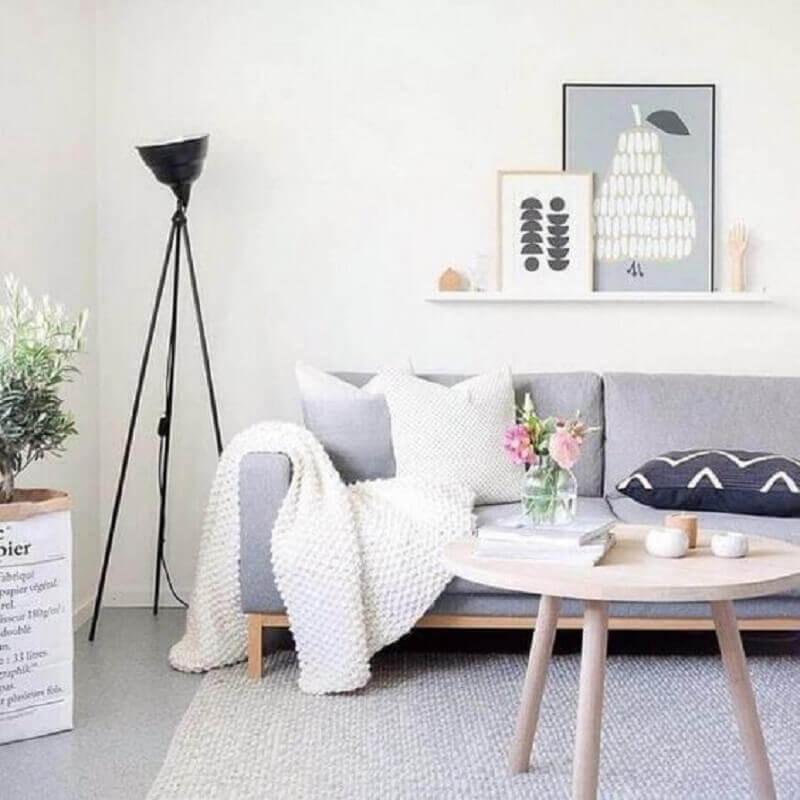 decoração minimalista com luminárias de piso para sala de estar Foto Pinterest
