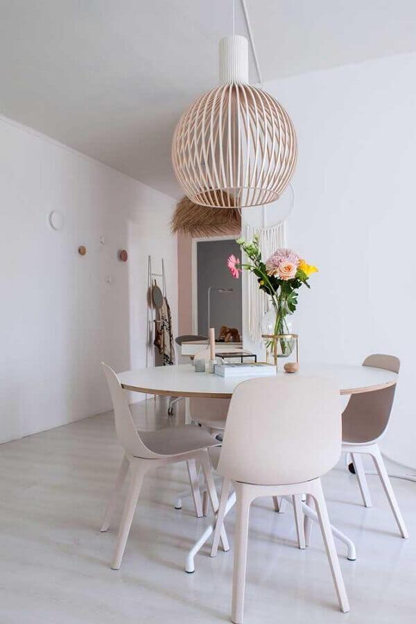 decoração minimalista com lustre de teto para sala de jantar Foto Apartment Therapy