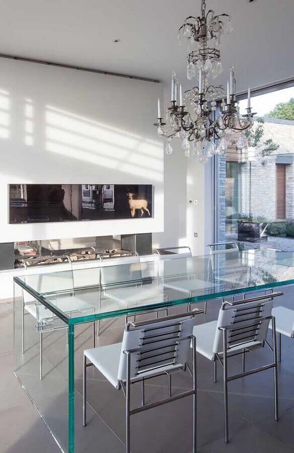 decoração moderna com mesa de vidro e lustre de teto para sala de jantar Foto Pinterest