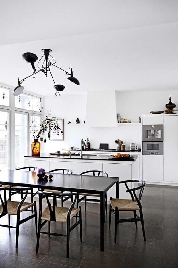 decoração moderna de cozinha americana integrada com sala de jantar Foto Futurist Architecture