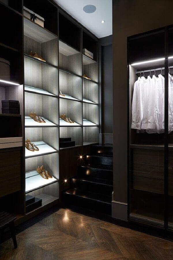 decoração moderna para armário closet preto planejado Foto Houzz