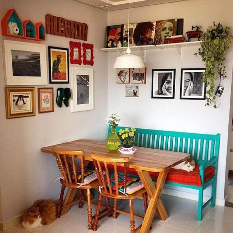 decoração simples com banco na cor verde piscina Foto Pinterest