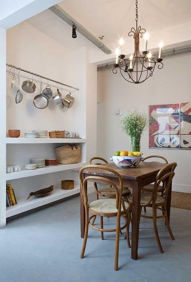 decoração simples com lustre de teto para sala de jantar Foto Behance