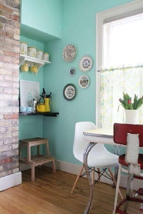 decoração simples para sala de jantar com parede verde piscina Foto Otimizi