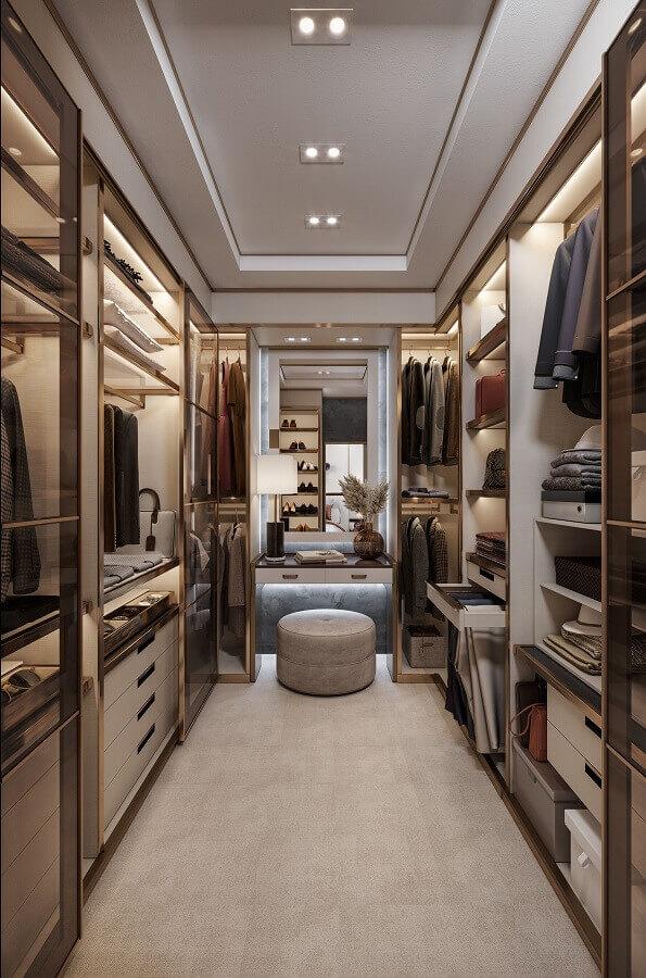 decoração sofisticada em cores neutras para armário tipo closet planejado Foto Fashion Bubbles