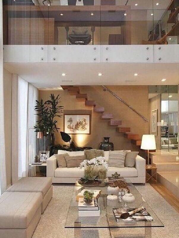 escada de madeira interna suspensa para decoração de sala de estar com mezanino Foto Pinterest