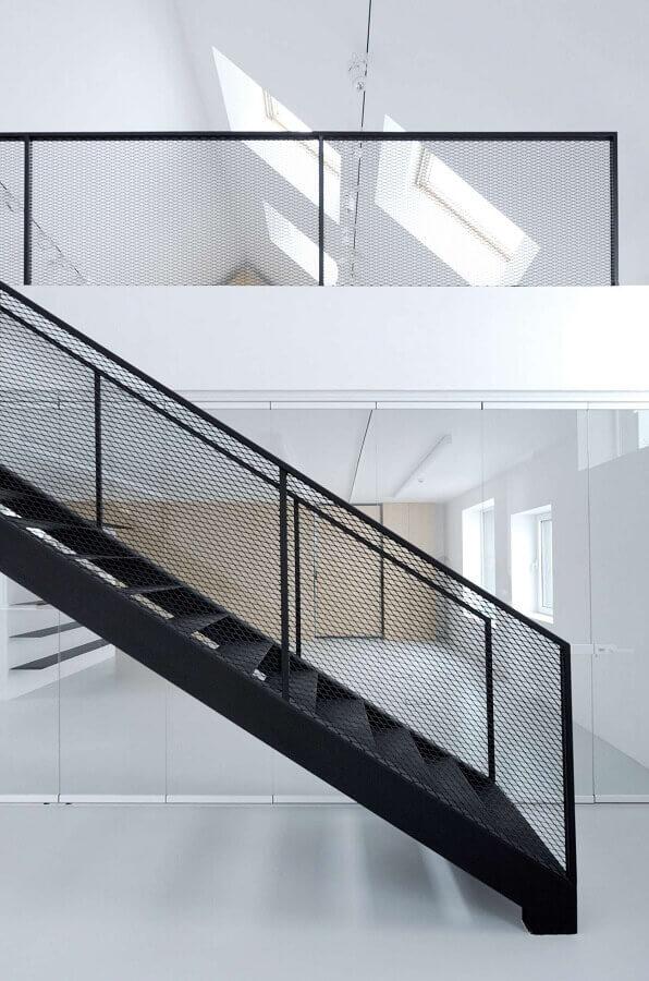 escadas internas de ferro para decoração minimalista Foto Pinterest