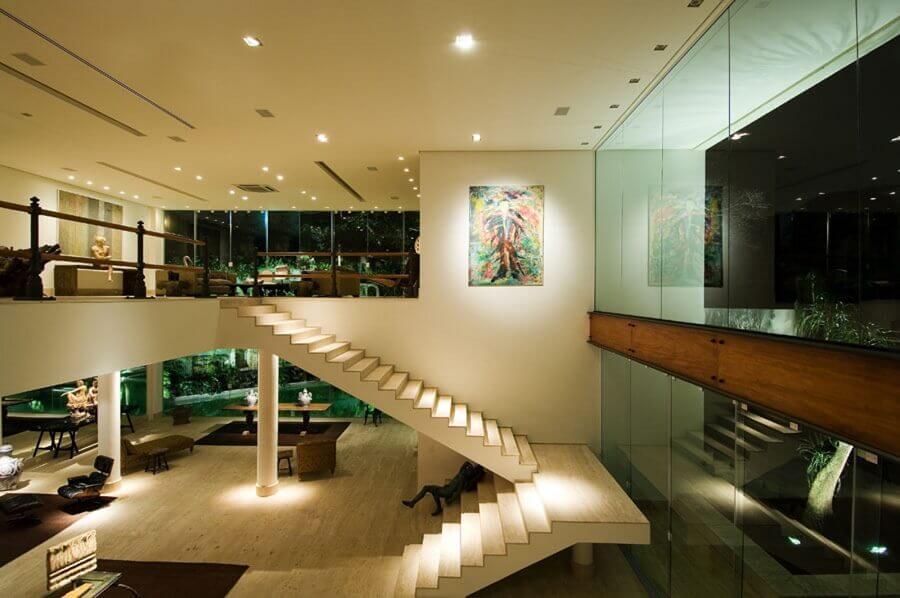 escadas internas em U para decoração de casa grande e moderna Foto Casa de Valentina