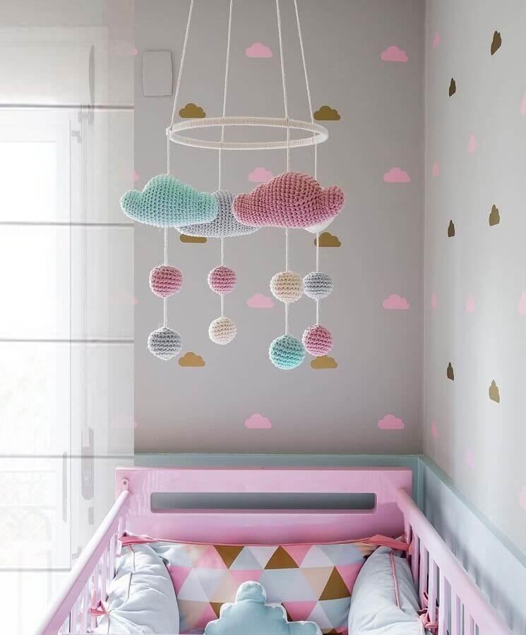 ideias para quarto de bebê decorado com móbile para berço Foto Revista Artesanato