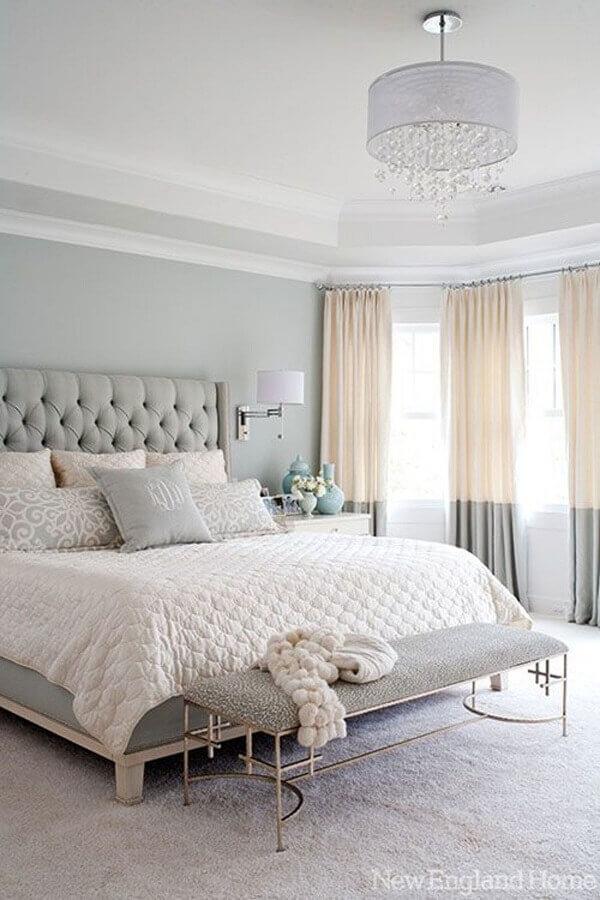 ideias para quarto de casal romântico decorado em cores claras com cabeceira capitonê Foto Pinterest