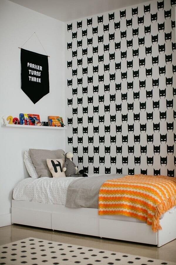 ideias para quarto de menino simples decorado com papel de parede do Batman Foto Home Fashion Trend