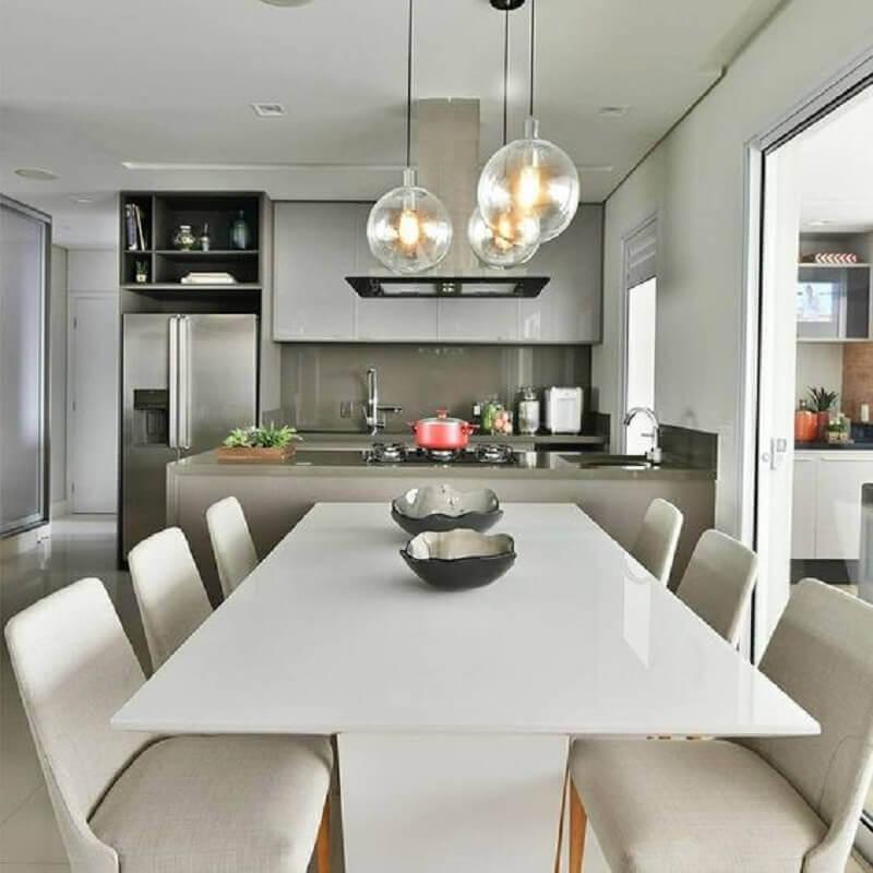 luminária de vidro para decoração de sala de jantar com cozinha americana Foto Decor Salteado