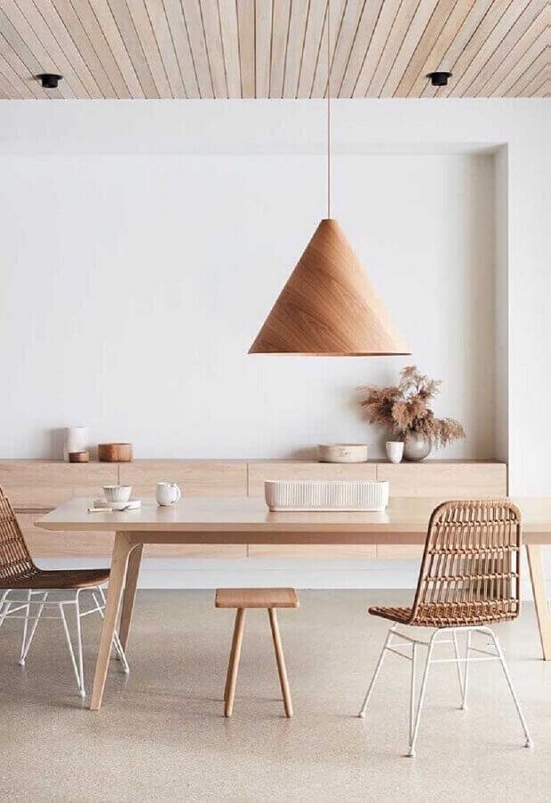 luminária pendente de madeira para decoração de sala de jantar minimalista Foto Architecture Art Designs
