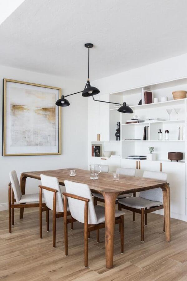 luminária pendente moderno para sala de jantar branca decorada com mesa de madeira Foto The Local Project