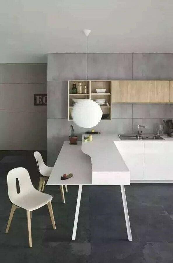 luminária pendente para cozinha cinza decorada com bancada de canto Foto Houzz