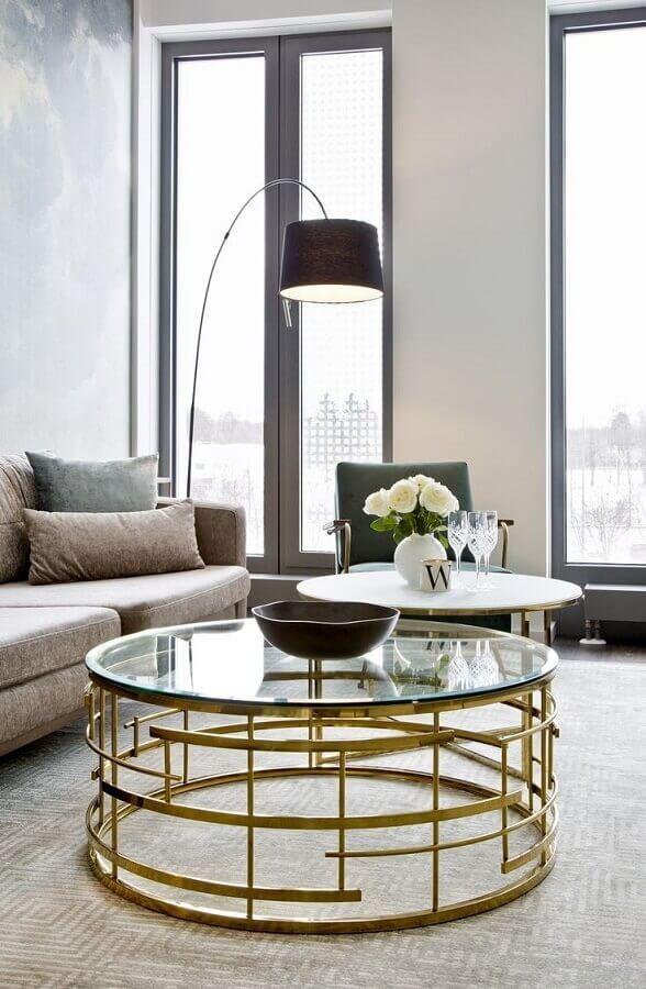 luminárias de piso para sala de estar moderna decorada com mesa de centro de vidro Foto Homedit