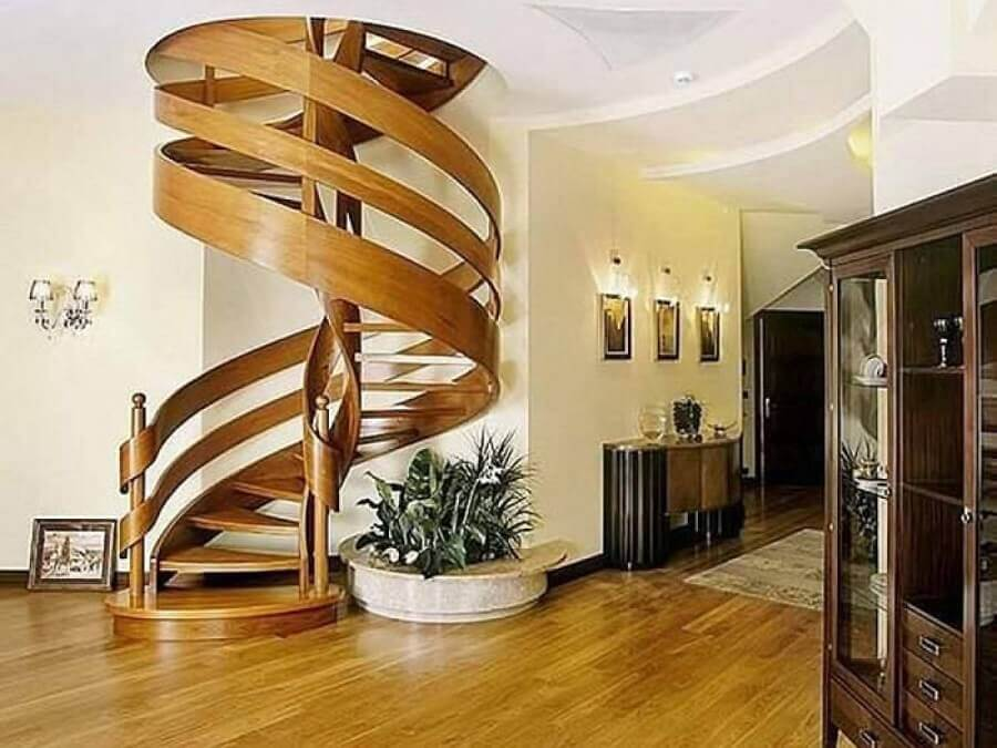 modelo de escada caracol interna de madeira Foto Pinterest