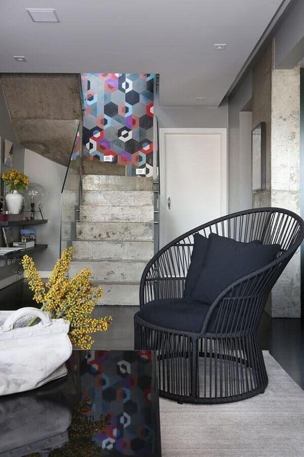 modelos de escadas internas de concreto para decoração de sala com estilo industrial Foto Home Fashion Trend