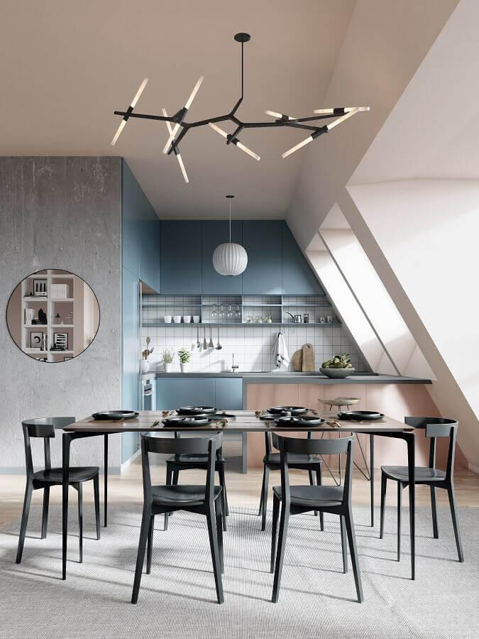cozinha americana com sala de jantar moderna decorada com cadeiras pretas para mesa de jantar Foto Behance