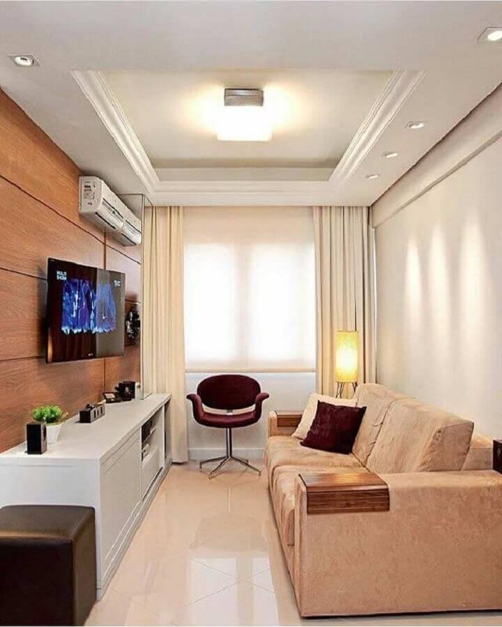 painel de madeira para sala de apartamento pequeno decorado em cores claras Foto Pinterest