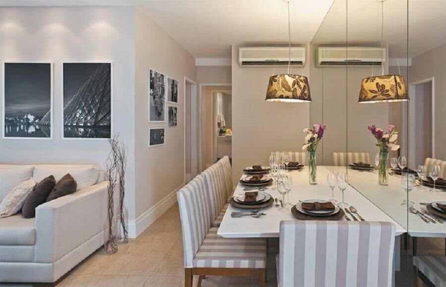 parede espelhada para decoração de sala de jantar apartamento Foto Jeito de Casa