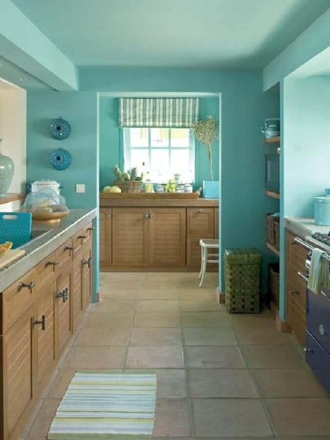 parede verde piscina para decoração de cozinha planejada de madeira Foto Archzine