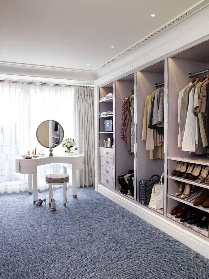 penteadeira diferente para decoração de armário closet grande Foto Pinterest