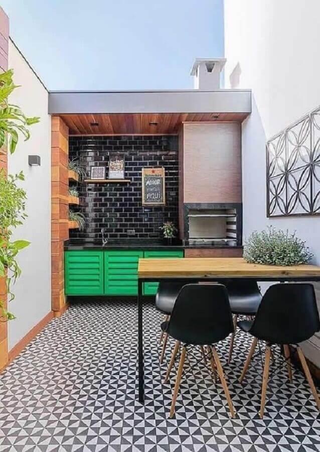 piso preto e branco para área gourmet externa decorada com churrasqueira Foto Fashion Bubbles