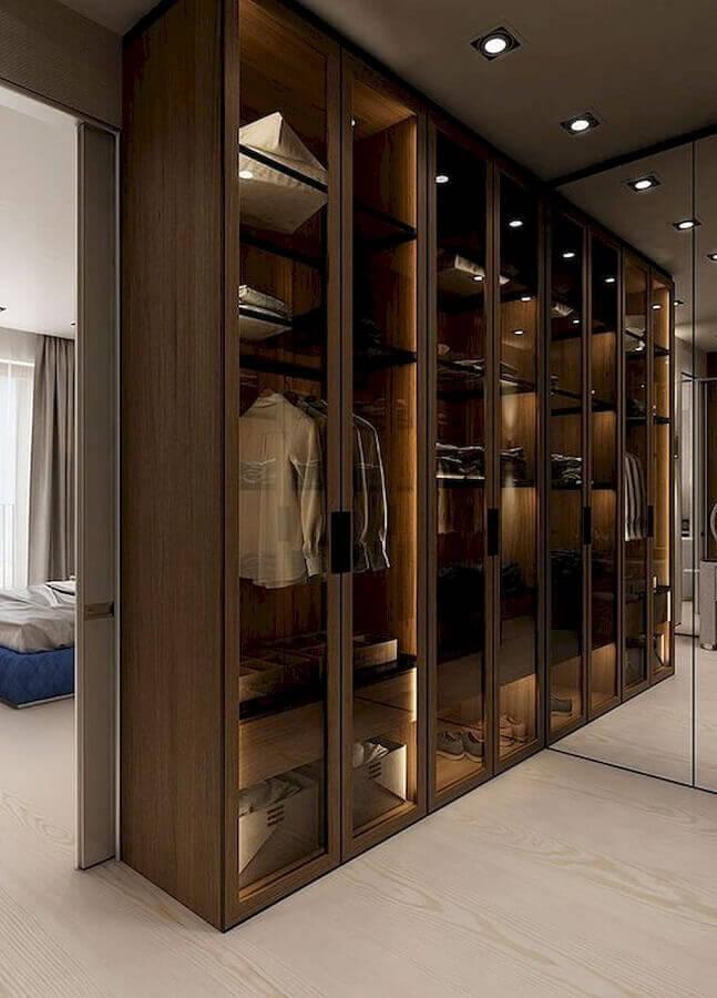 porta de vidro para decoração de armário closet de madeira Foto Pinterest