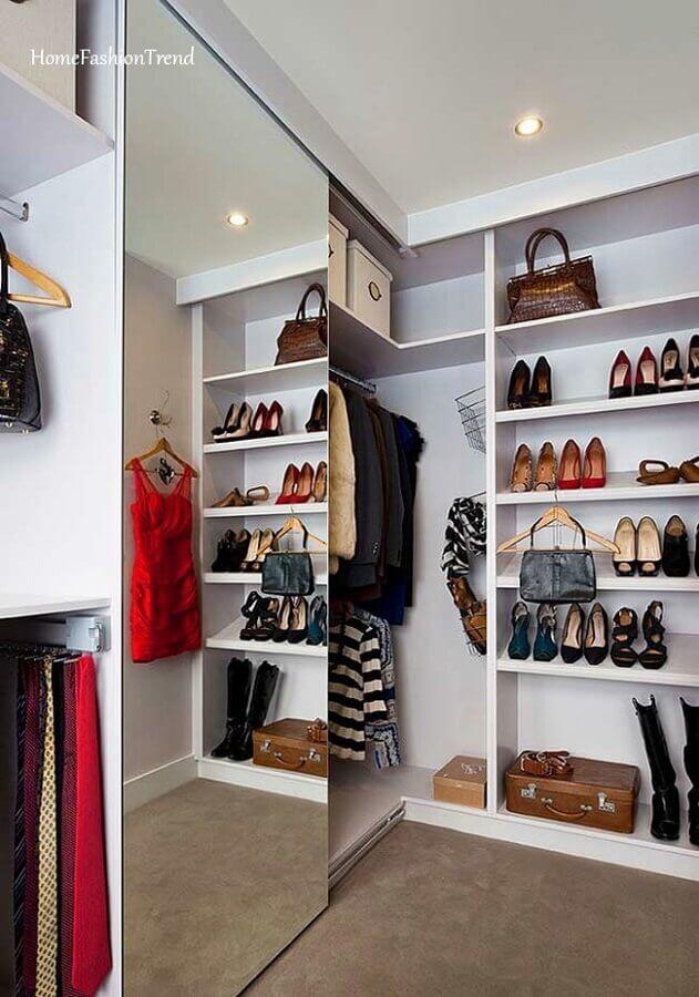 portas de correr espelhadas para decoração de armário tipo closet de canto Foto Home Fashion Trend