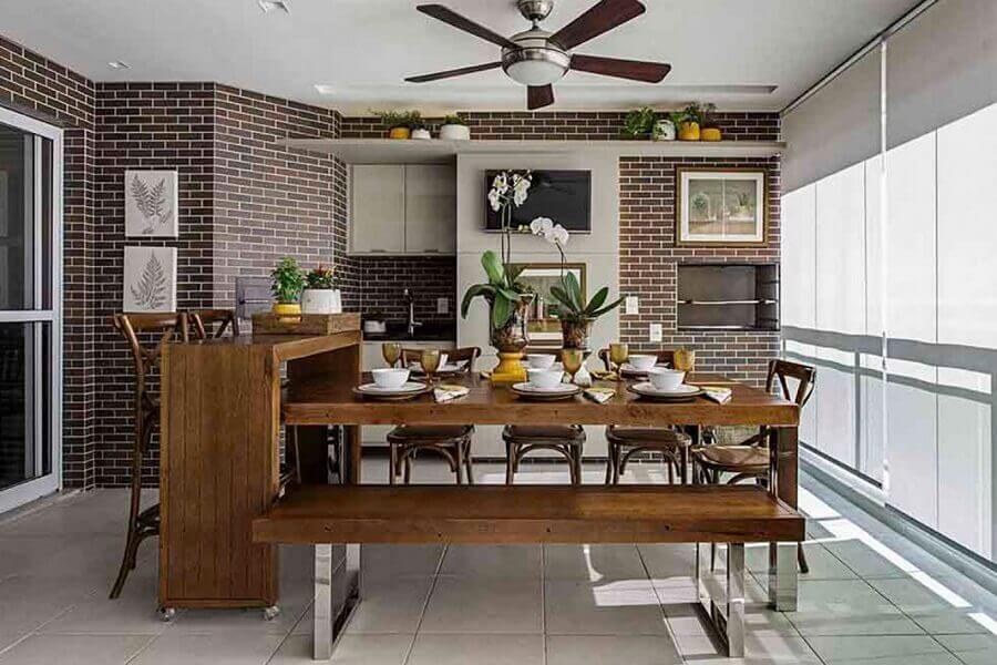 revestimento tijolinho para decoração de área gourmet com churrasqueira Foto Jeito de Casa