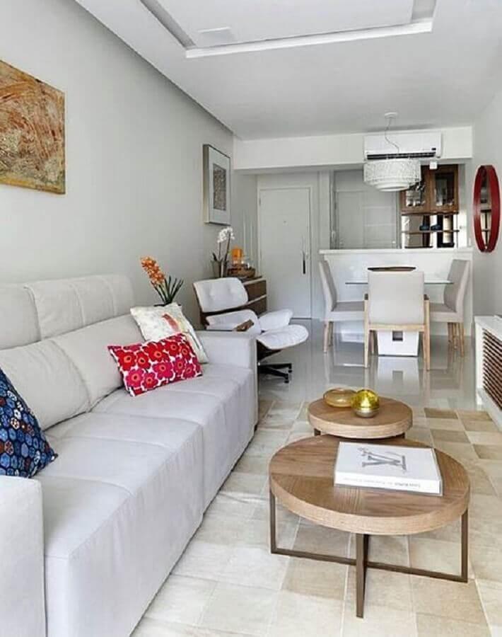 sala de apartamento decorada em cores claras com ambientes integrados Foto Simples Decoração