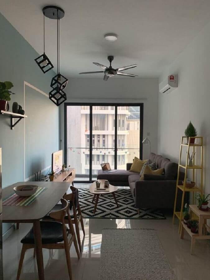 sala de apartamento pequeno e simples decorado com tapete preto e branco Foto Pinterest