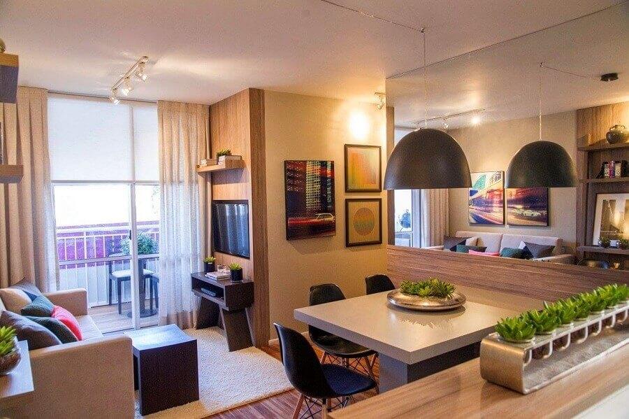sala de jantar apartamento pequeno decorada com parede espelhada Foto Pinterest