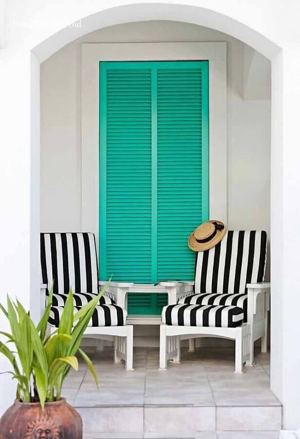 varanda decorada com porta verde piscina Foto Home Fashion Trend