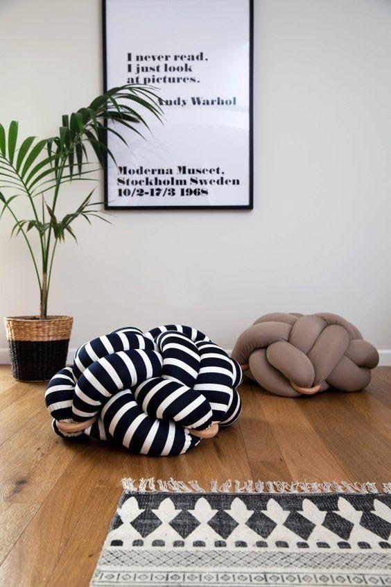 Almofadas divertidas para sala de estar