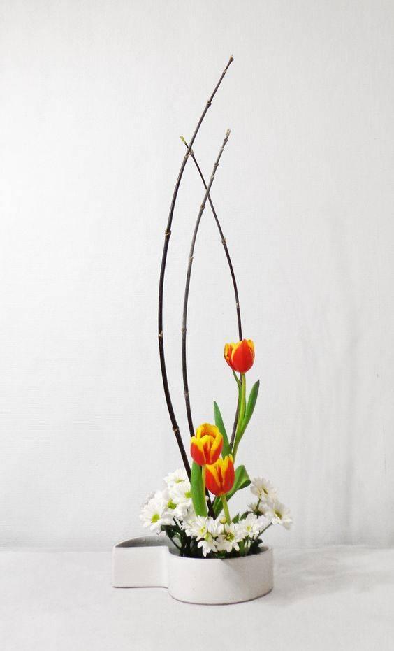 Arte ikebana com flores