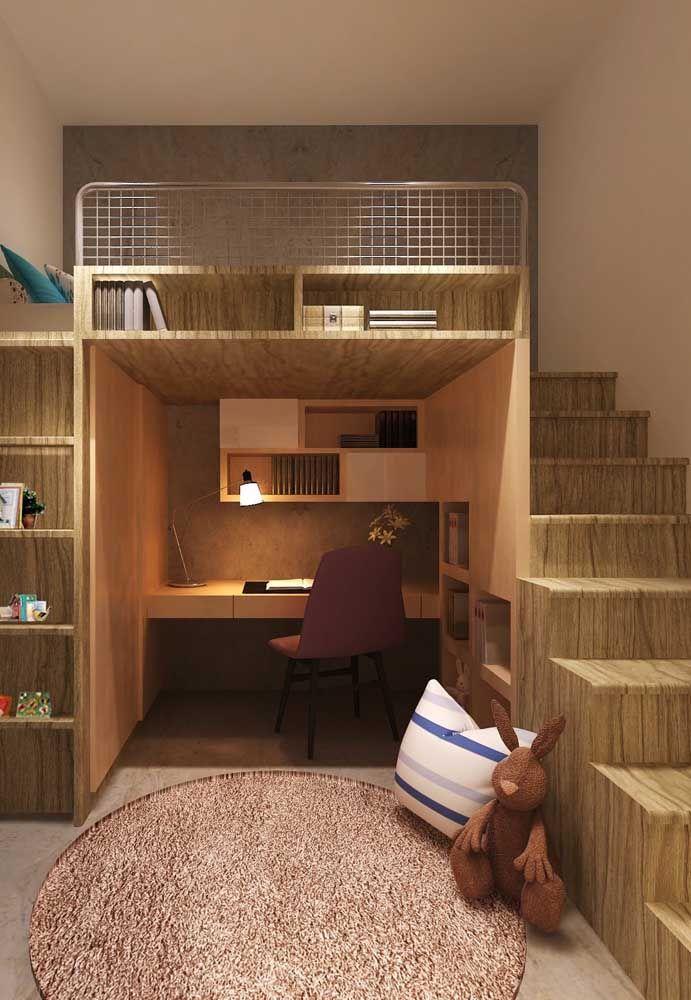 Beliche de madeira com bancada para estudo e cadeira roxa